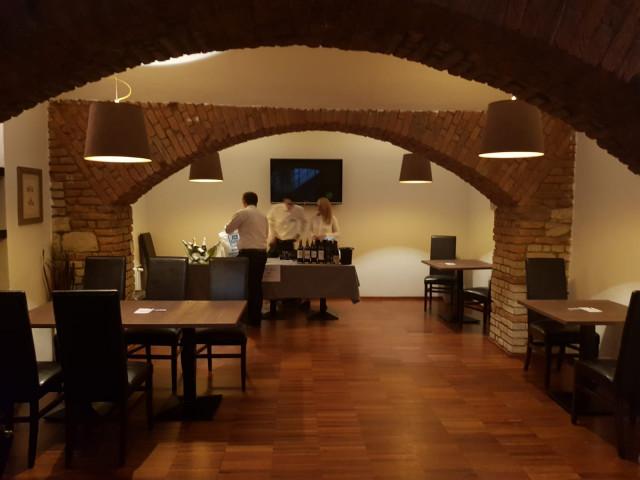 Krásné sklepní  prostory restaurace Per Te